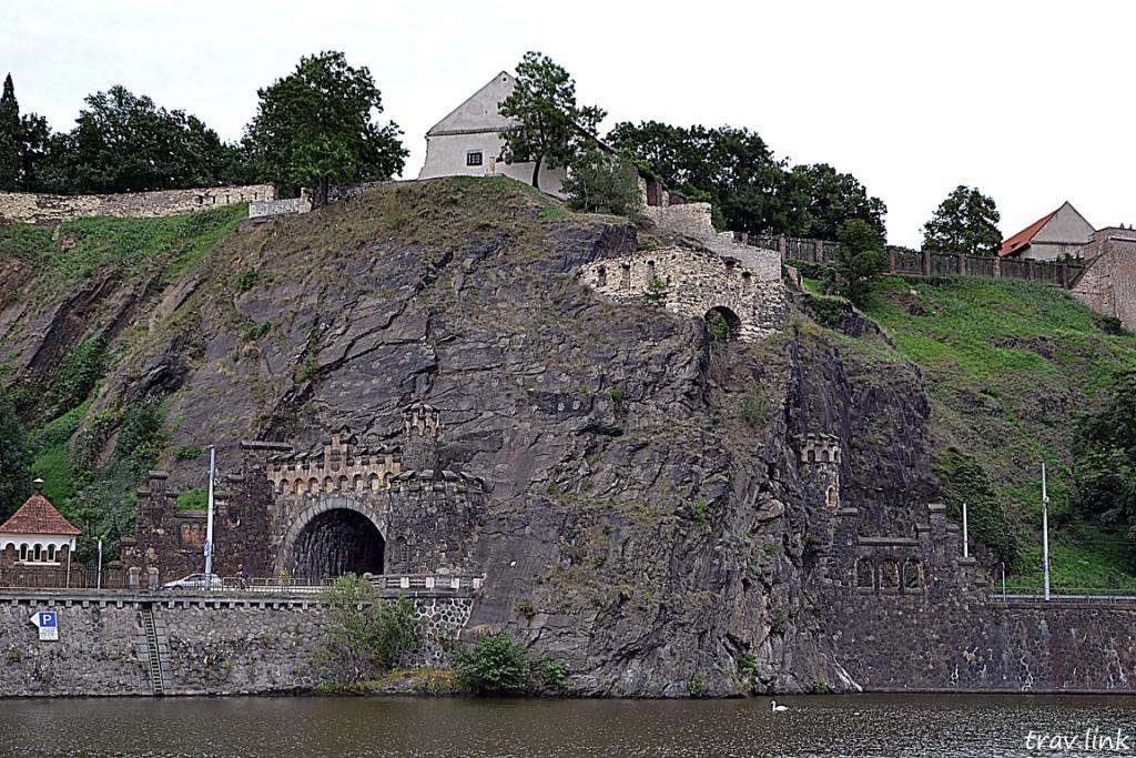 Берег Влтавы в Праге