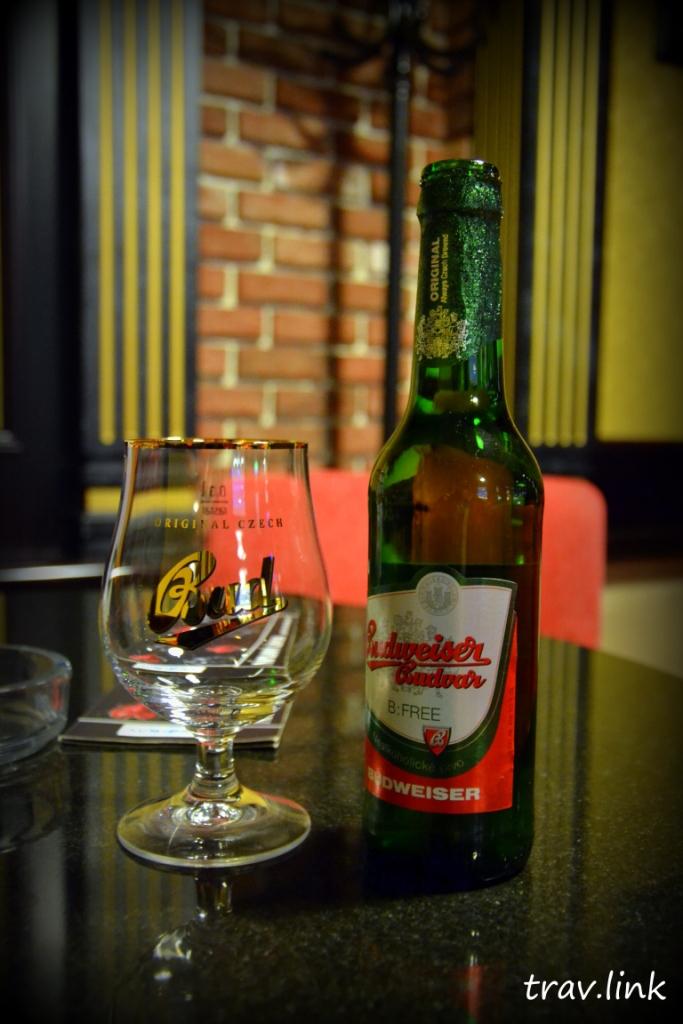 Безакогольное пиво Будвайзер в Чехии фото