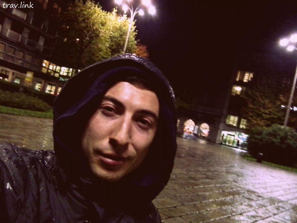 Русфет Кадыров в городе Комо, Италия