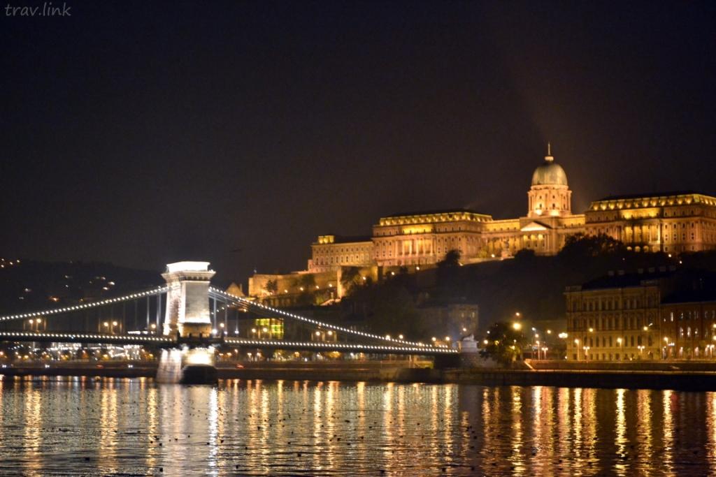 Мост Се́чени, (Будапе́штский) цепно́й мост, венг. Széchenyi lánchíd — подвесной мост через реку Дунай