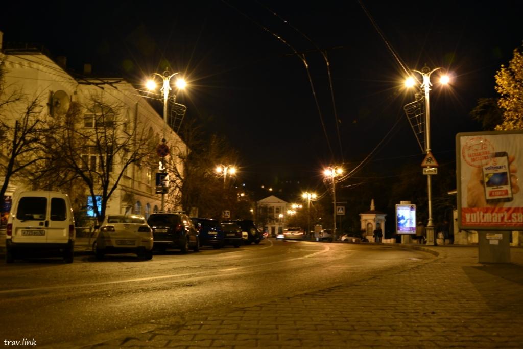 проспект Нахимова ночью в Севастополе фото
