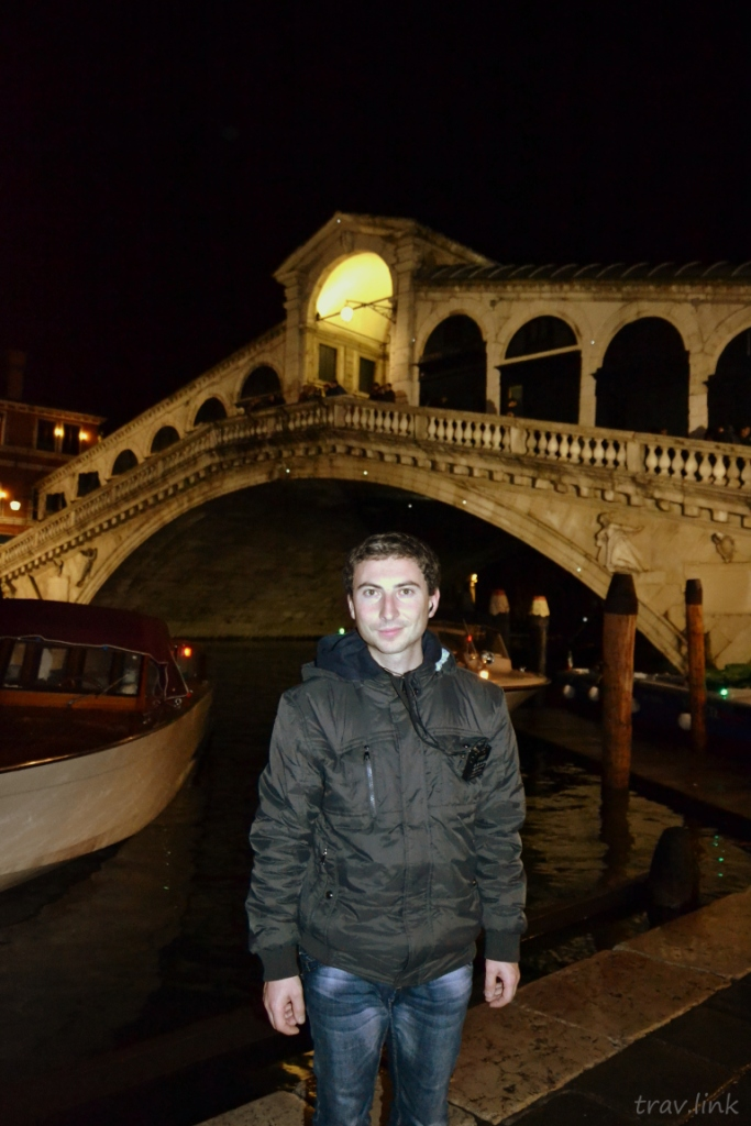 Русфет Кадыров возле моста Риально в Венеции