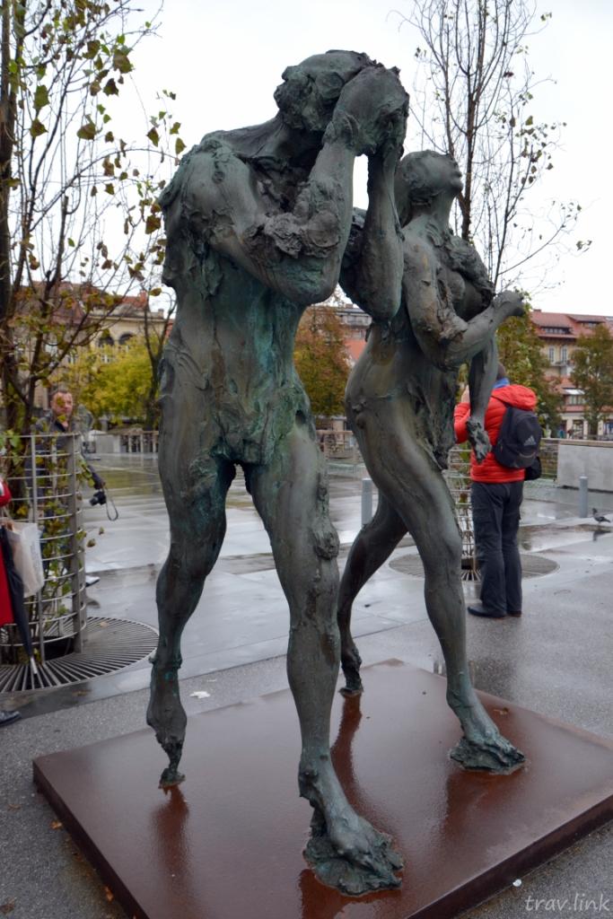 Скульптура «Изгнание из Рая»