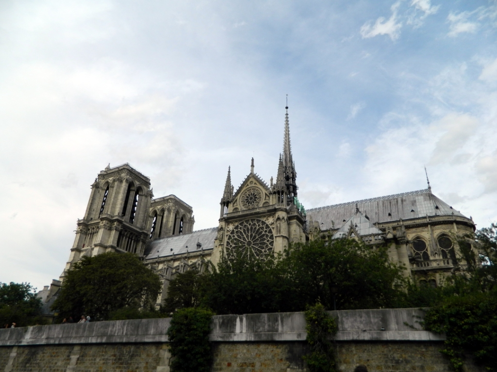 Собо́р Пари́жской Богома́тери (фр. Notre-Dame de Paris)