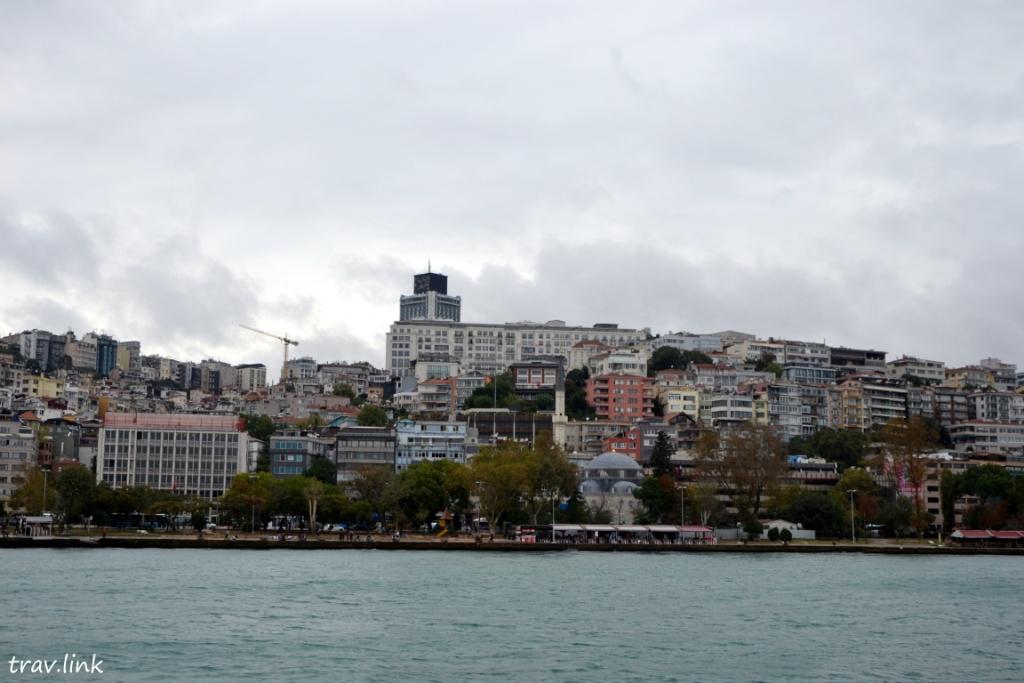 береговая линиия Босфора с пролива. Фото