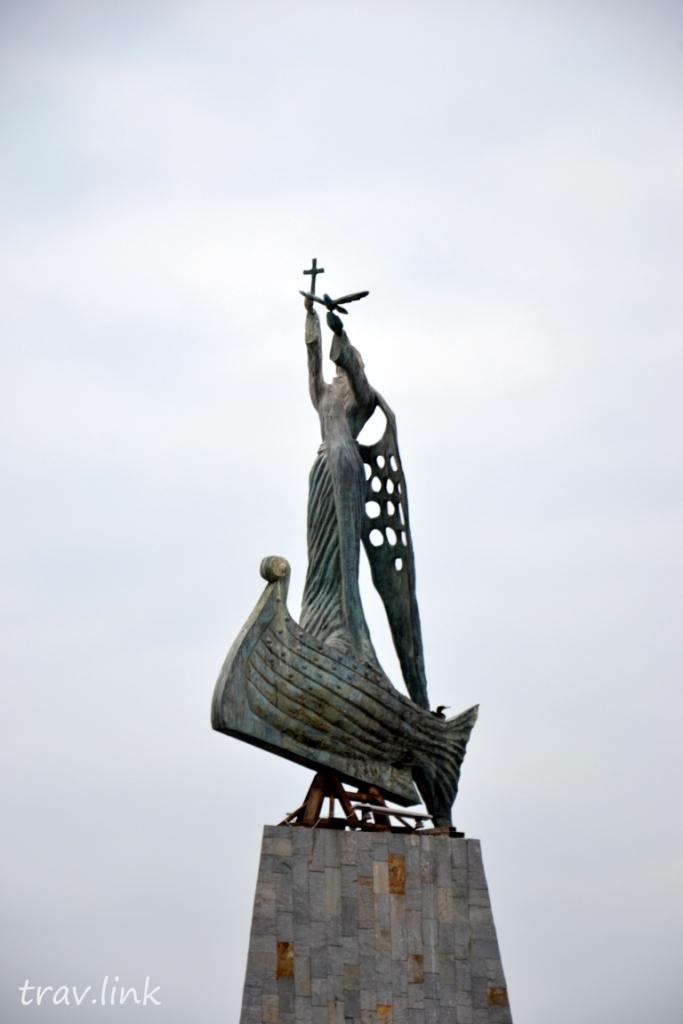 "Статуя ""Рыбака"" в Несебре. Фото"