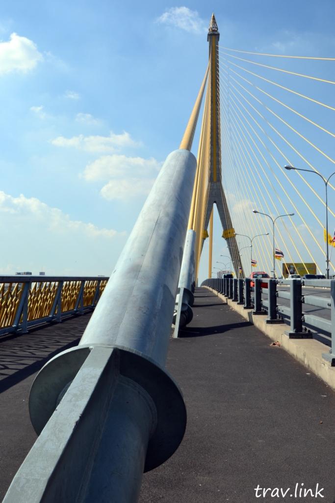 Королевский мост имени Рама 8 фото