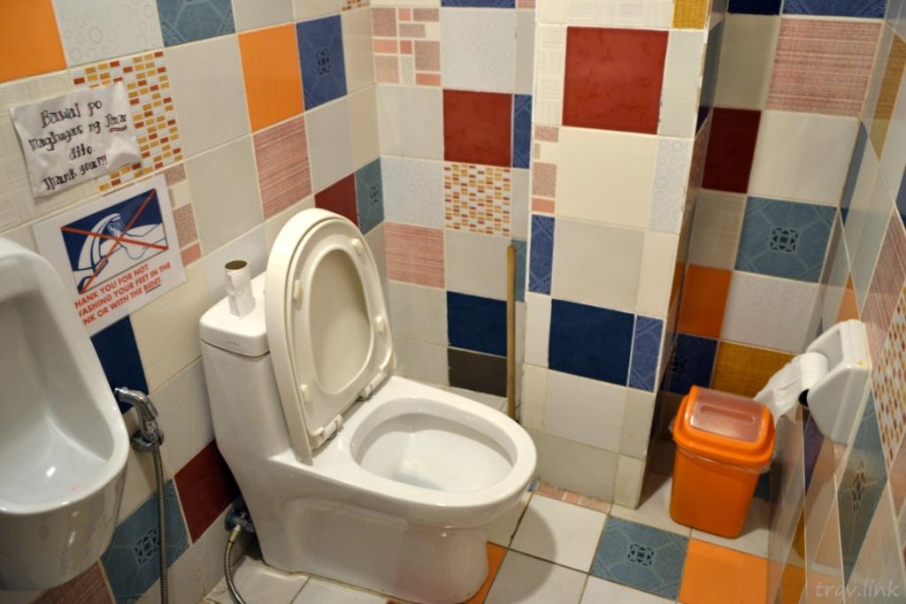 Boracay toilet (Ресторан Боракайский туалет) фото