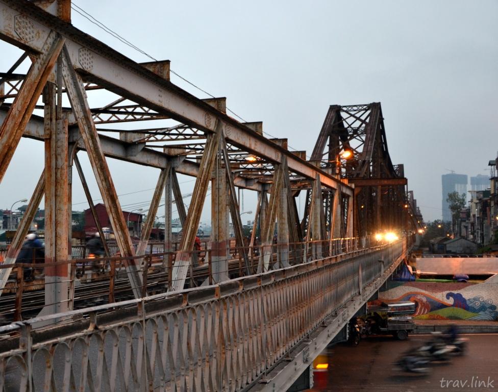 Мост Лонг Биен в Ханое (Вьетнам) фото