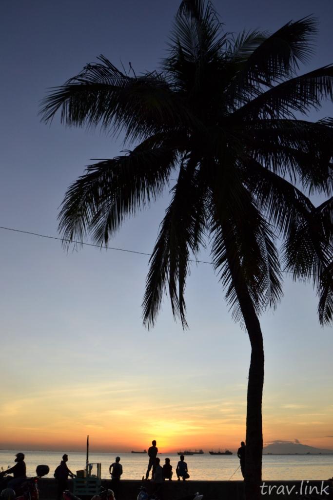 закат в Манильском заливе (Филиппины) фото
