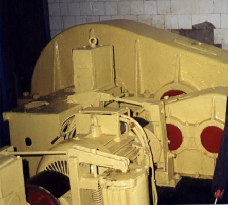 Один из разводящих моторов