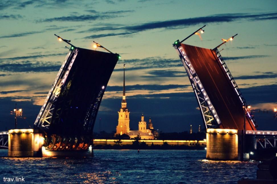 дворцовый мост в Санкт-Петербурге ночью фото