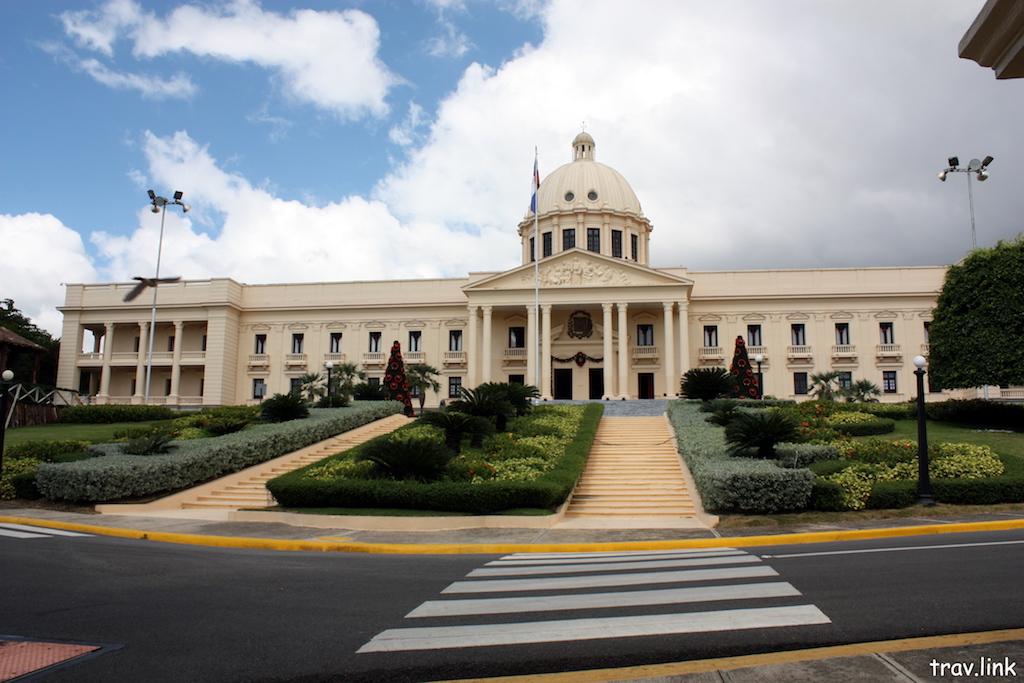 Санто-Доминго фото. Национальный дворец.